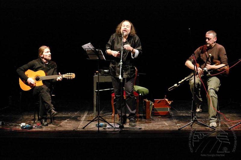Micrologus - Maggio Valente (Canzoni E Danze Nelle Corti Italiane Tra Medioevo E Rinascimento)